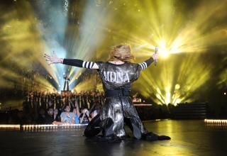 Мадонна дарит Sennheiser всю свою любовь