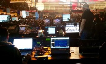 Рабочее место FOH-инженера на 58-й ежегодной церемонии GRAMMY Awards