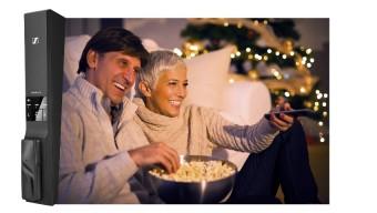 Интеллектуальные решения для прослушивания от Sennheiser - Flex 5000 (изображено здесь), RS 2000 и RS 5000 – сделают ночь кинопросмотра еще более приятной